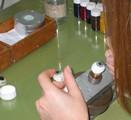 Handgeschilderde irislenzen in productie
